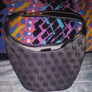 Excellent condition dooney and Bourke